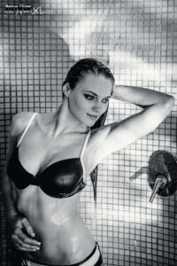 Pool Girl Bikini Fotoshooting