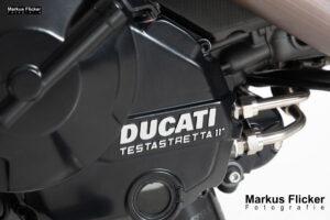 Ducati Hypermotard 939 SP im Fotostudio