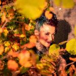 Herbst Akt im Wald mit Marietta
